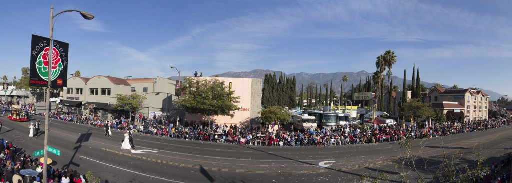 Rose_Parade_Panorama1